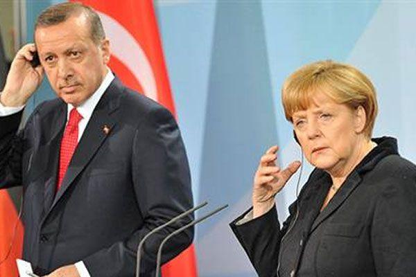 Merkel'den dinleme iddialarına ilişkin önemli açıklama