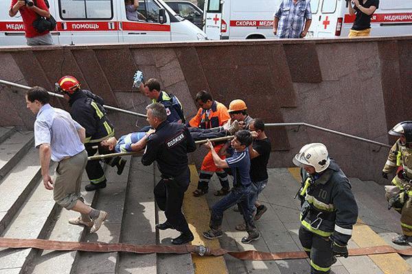 Metro raydan çıktı! Bilanço ağırlaşıyor, 12 ölü, 160 yaralı