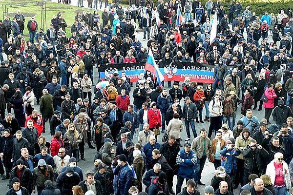 Rusya yanlısı militanlar güvenlik karargahından çıkarıldı
