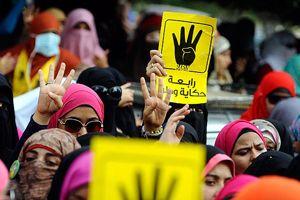 Mısır'da darbe karşıtları sokaklara döküldü