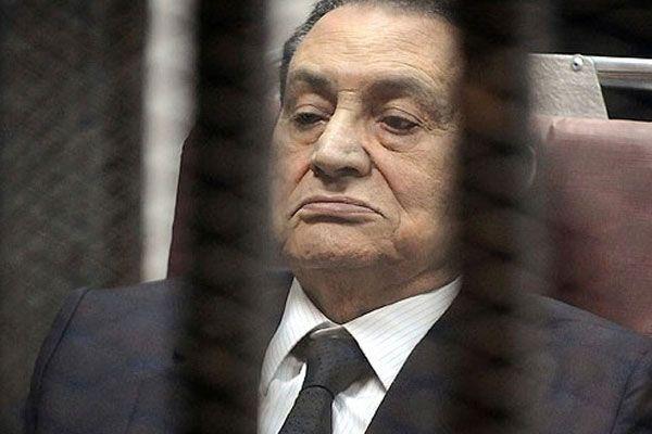 Hüsnü Mübarek'in davası ertelendi