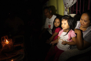 Filipinler'de mum ışığının aydınlattığı hayatlar
