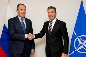 Rasmussen ile Lavrov, Brüksel'de bir araya geldi
