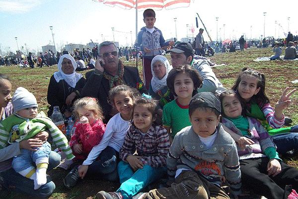 Diyarbakır'da coşkulu Nevruz kutlaması
