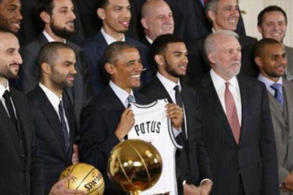 Obama, NBA şampiyonunu ağırladı