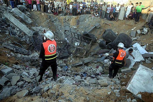 Gazze'de ölenlerin sayısı 900'e yükseldi