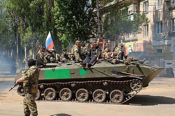 Ukrayna ordusu ayrılıkçılara ateş açıyor