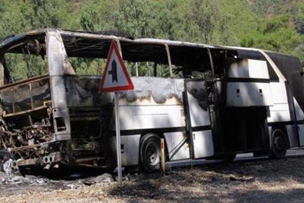 Edirne'deki yanan otobüste 52 yolcu faciadan döndü