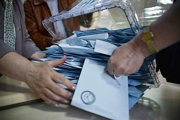 AK Parti'nin belediye başkanlığı sayısı 800'e yükseldi