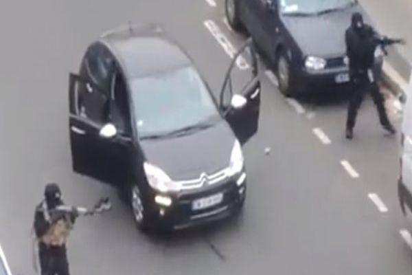 İşte Paris'in göbeğindeki silahlı çatışma anları