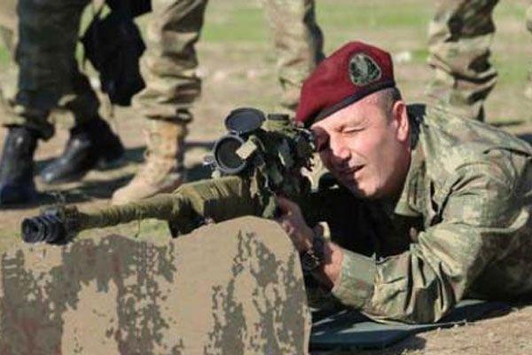 Paşa Azerbaycan'da sipere yattı