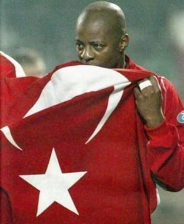 Pascal Nouma'dan bayrak mesajı