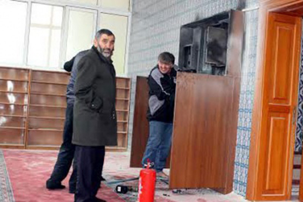 İstanbul'da camide korkutan patlama
