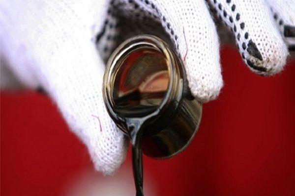 Düşen petrol fiyatları Türkiye için ilaç gibi