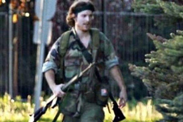 Kanada'da 3 polisi öldüren 'Rambo' lakaplı kişi yakalandı