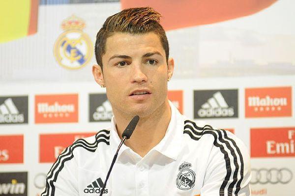 Ferguson, Ronaldo'nun 'ucuz'a satıldığını ileri sürdü