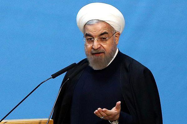 Ruhani, 'Petrol fiyatlarının düşüşü uzun süre devam edemez'