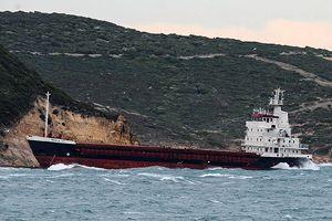 Rus gemisi Çanakkale Boğazı'nda karaya oturdu