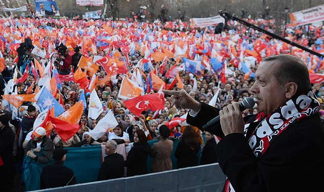 Erdoğan, 'kendilerinden olmayanı dinleyecek kadar hainler'