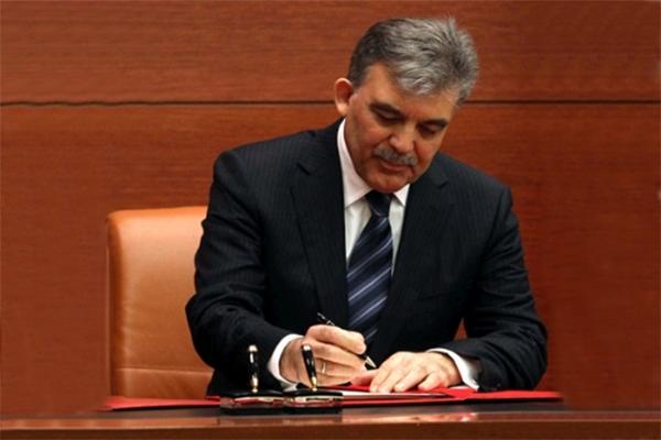 Abdullah Gül onayladı, jet hızıyla yürürlüğe girdi
