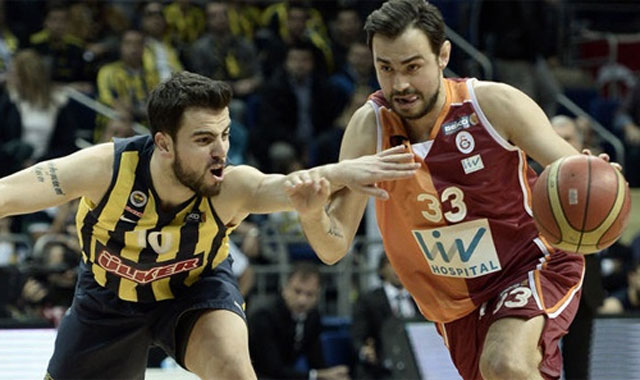 Fenerbahçe potada Galatasaray'a fark attı