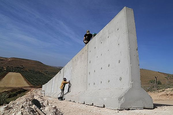 Suriye sınırına 'seyyar duvar'