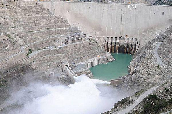 Türkiye'ye 53 yeni santral