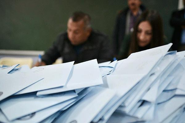 Siyasi partilerin, seçim kurullarına itirazları sürüyor
