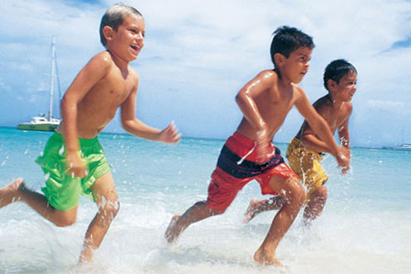 Sıcaklar en çok çocukları etkiliyor