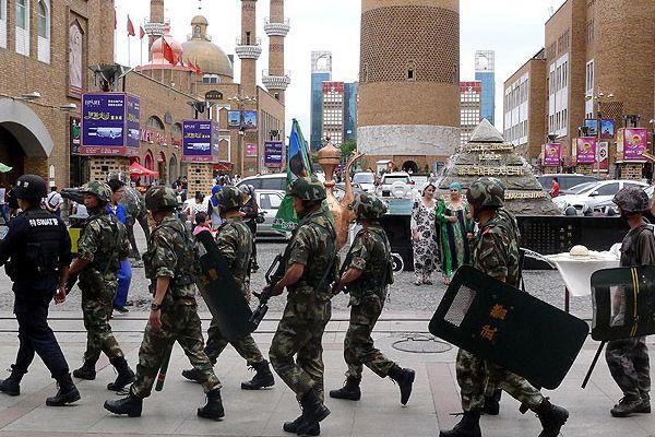 Sincan Uygur Özerk Bölgesi'nde 6 kişi öldürüldü