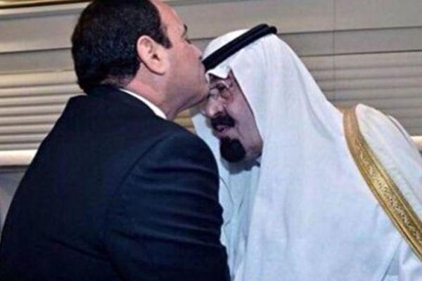 Darbeci Sisi Kral Abdullah'ı alnından öptü