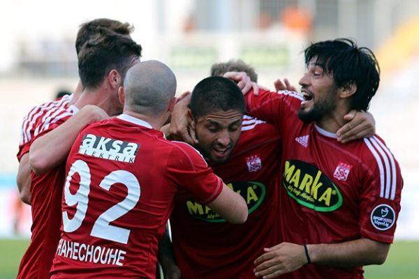 Sivasspor, sahasında Gençlerbirliği'ni 1-0 yendi