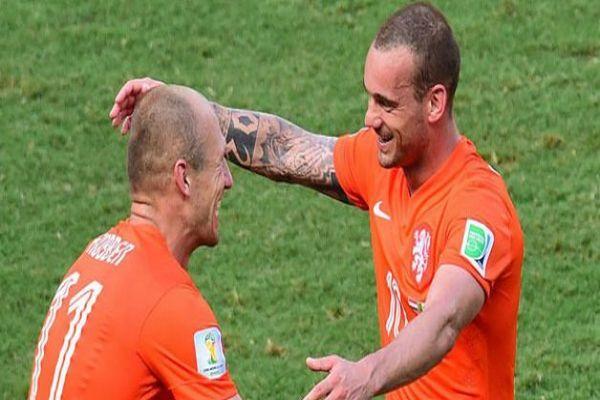 Robben ve Sneijder FIFA'lık oldu
