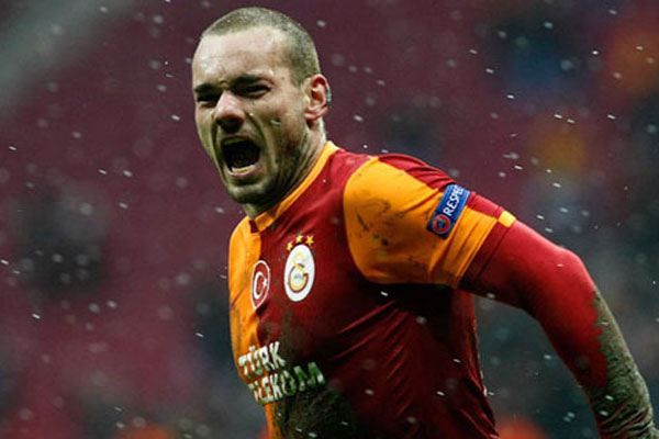 Sneijder'in menajerinden Galatasaray'a tehdit gibi sözler