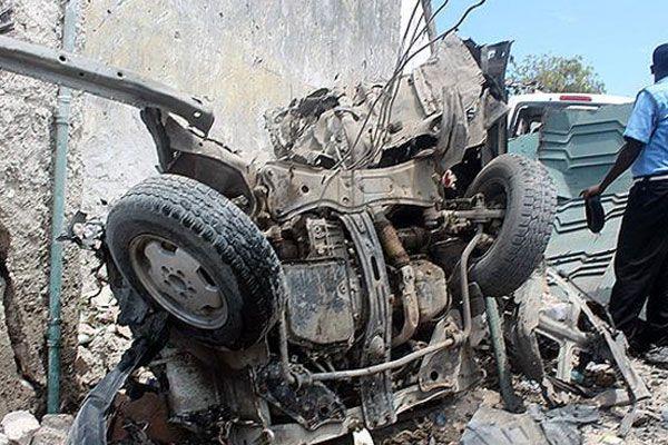 Somali'de düzenlenen bombalı saldırıda 17 kişi öldü