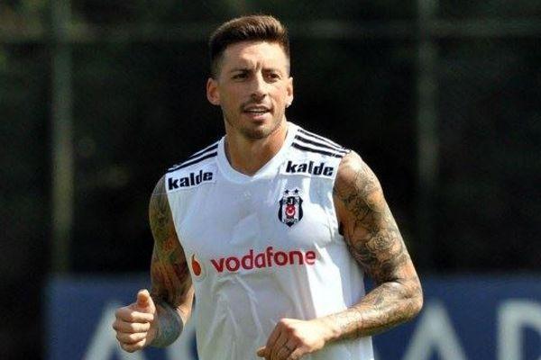 Beşiktaş'ta yeni transfer Sosa sakatlandı