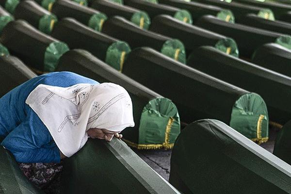 Hollanda Srebrenitsa soykırımında kısmen suçlu bulundu