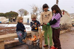 Suriye'de 16 çocuk donarak öldü