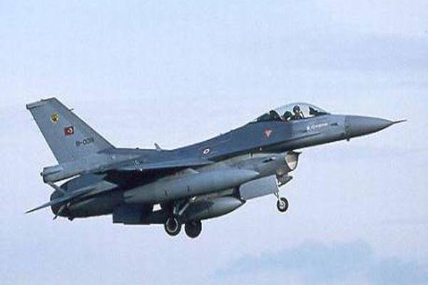 Yunan uçaklarından Türk F-16'larına taciz