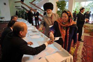 Türkmenler sandık başında
