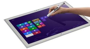 Panasonic'ten dev tablet