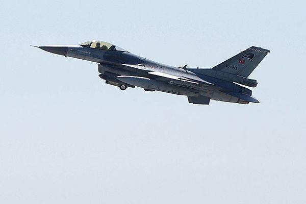 Türk F-16'larına Suriye'den taciz