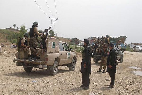 Pakistan'da Taliban'a operasyon düzenlendi, 31 ölü var