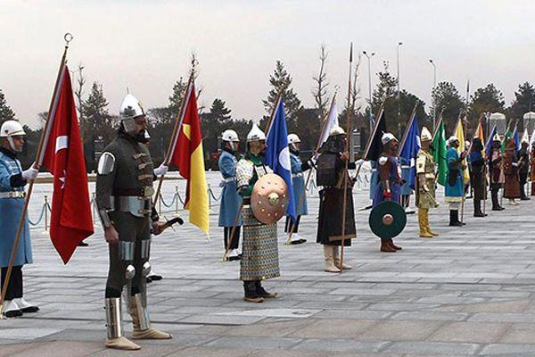 '16 savaşçıdan en çok Osmanlı kıyafeti zorladı'