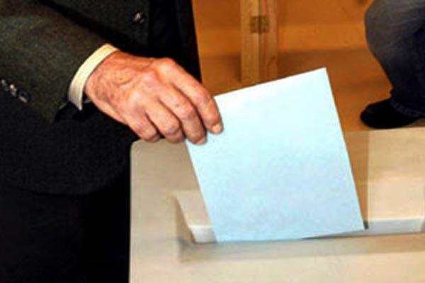 Tayland'da oy kullanma işlemi başladı