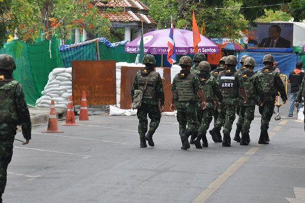 Tayland'da askeri yönetim Anayasa'yı feshetti