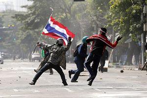 Tayland'daki gösterilerde kan döküldü