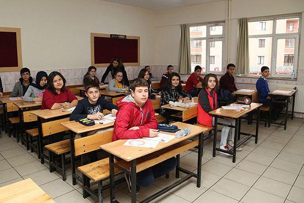 TEOG sınavlarının ikinci gün oturumu başladı