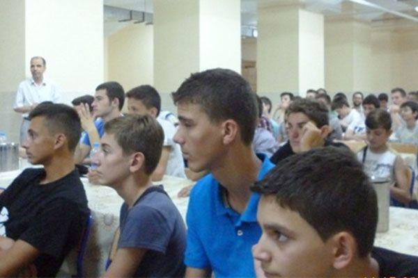TİKA'dan Makedon öğrencilere burs müjdesi