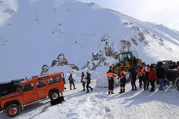 Trabzon'da kurtarma çalışmaları sürüyor